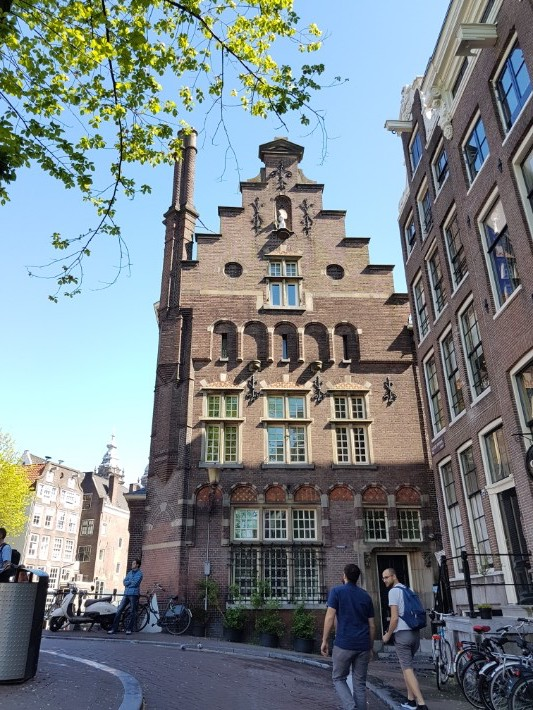 amsterdam building house, Visiting Amsterdam for the First Time