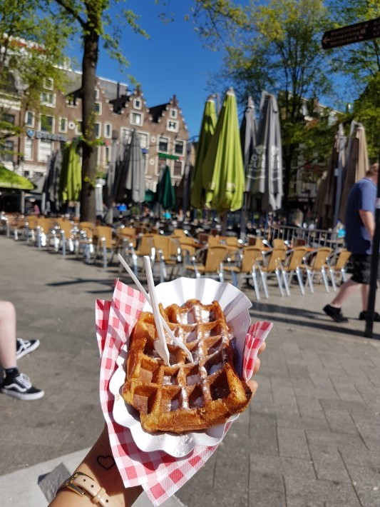 amsterdam must eat food waffle