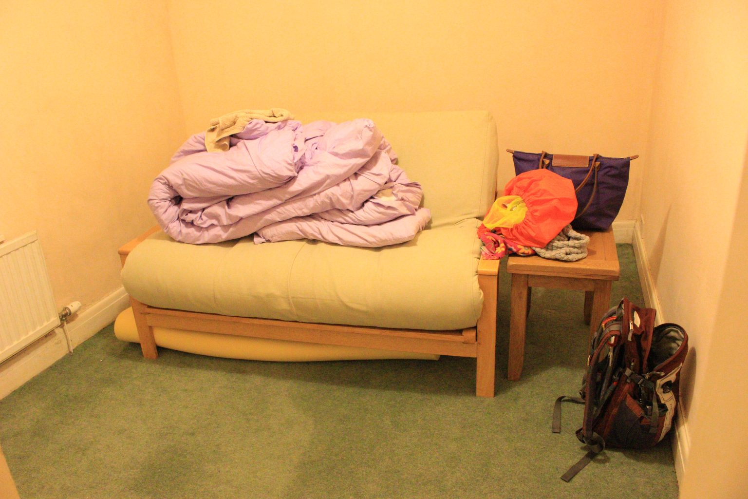 couchsurfing stroud girl solo