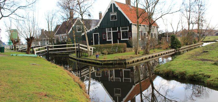 white-tapestry houses Zaanse Schans, amsterdam