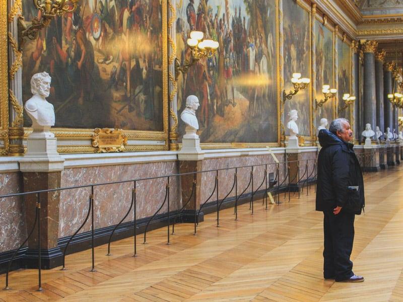 versailles france palace building majestic security guard