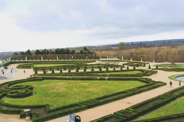 versailles france gardens landscaped grass