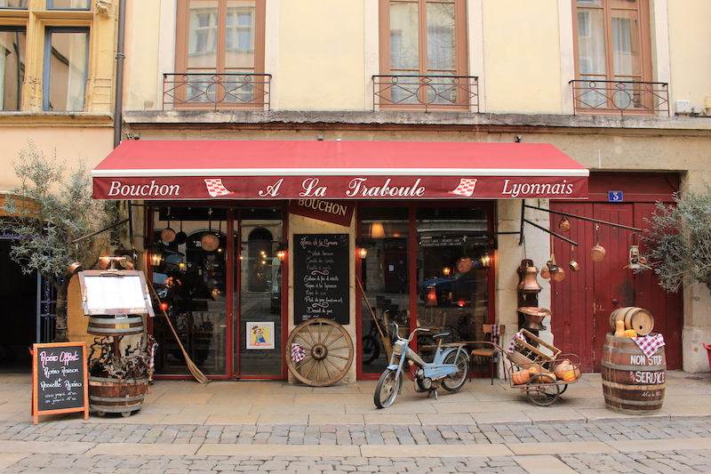 french-restaurant-things-to-do-in-lyon-france-where-to-stay-in-lyon