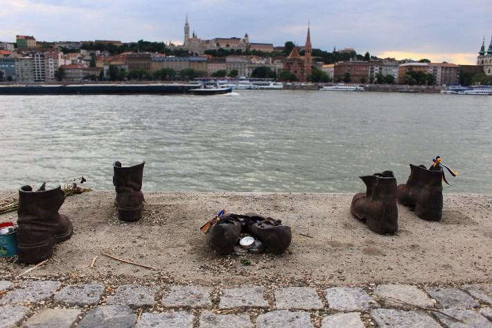 things to do in budapest, what to do in budapest, danube promenade, shoes
