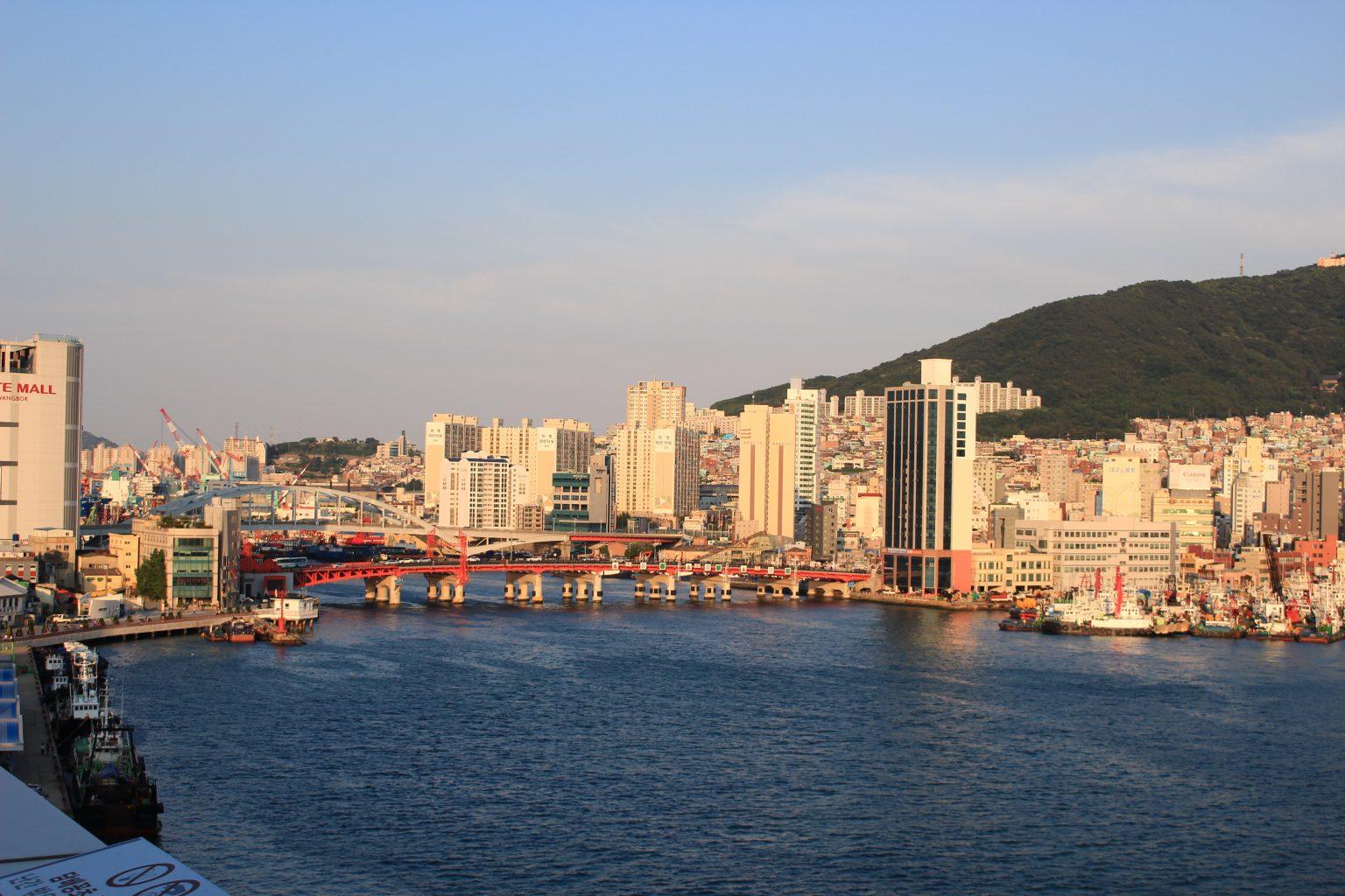 Yongdodaegyo Bridge|What to to Do, See and Eat in Busan Korea