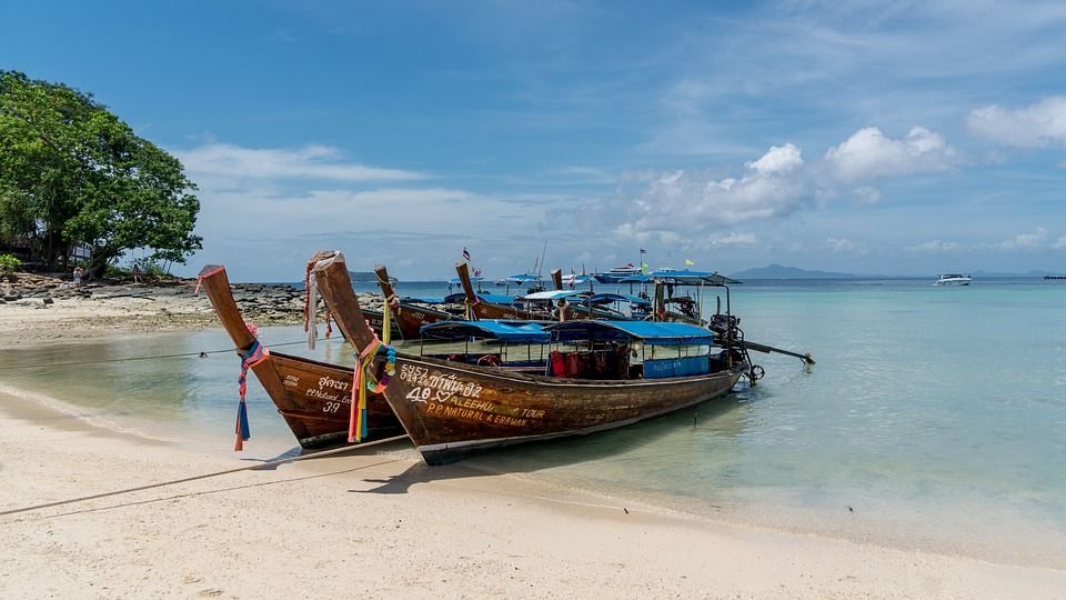 phi-phi-island-tour-phuket-thailand
