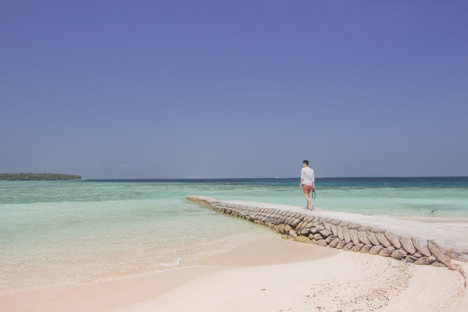 COMO Cocoa Island boy