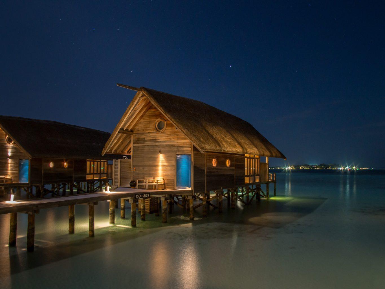 maldives COMO-Cocoa-Island-loft-villa-night