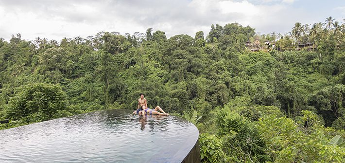 Couple, pool, hanging gardens of bali ubud 1