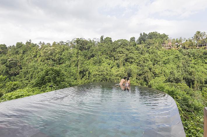 Couple, pool, hanging gardens of bali ubud