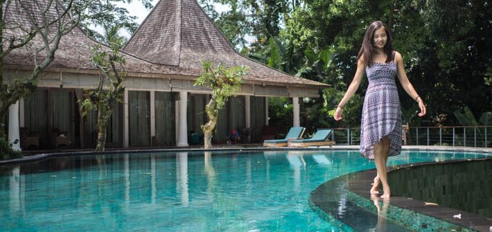 Pandawas-Villas-Ubud-Bali-walking-pool