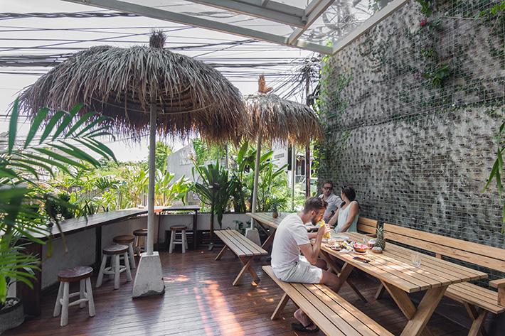 cafe-organic-exterior