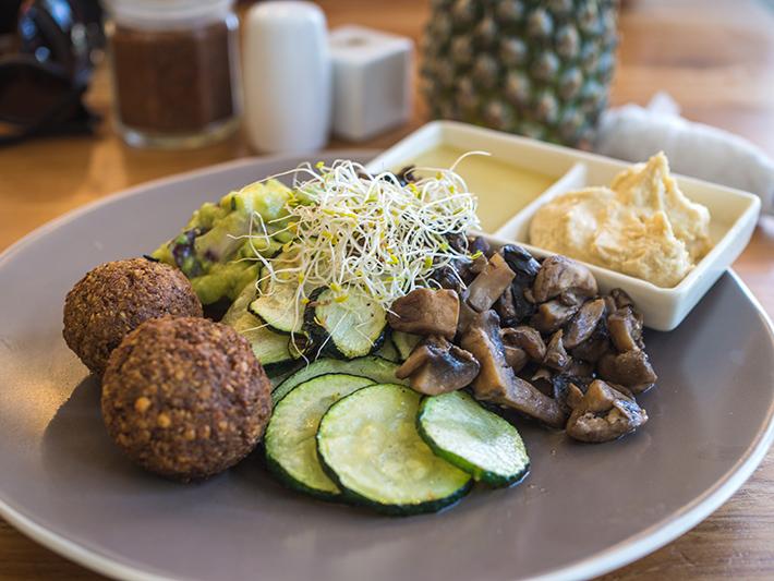 cafe-organic-falafel-mushroom