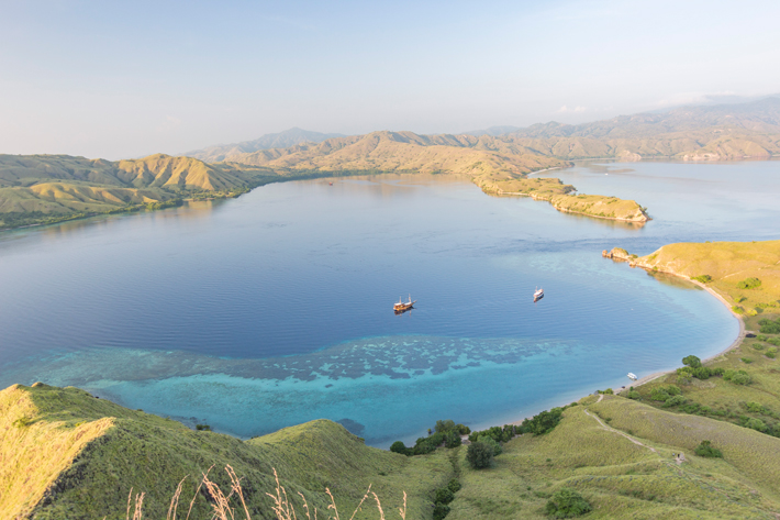 gili-lawa-hike-viewpoint labuan bajo indonesia flores