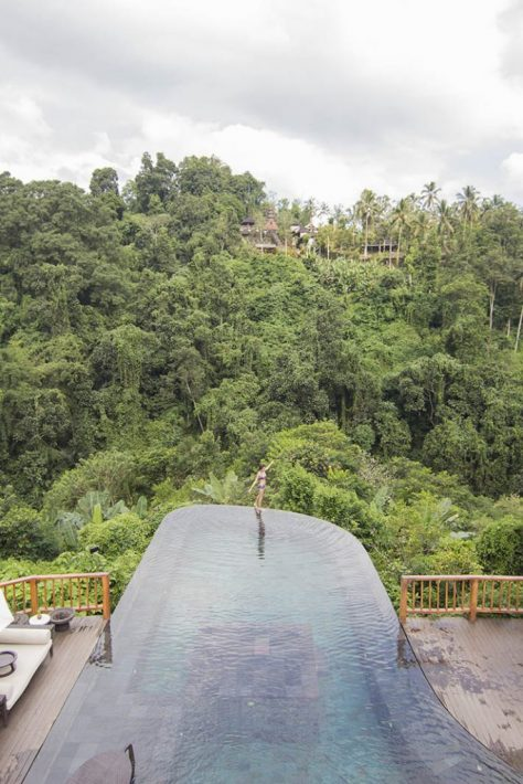 infinity pool edge hanging gardens of bali ubud