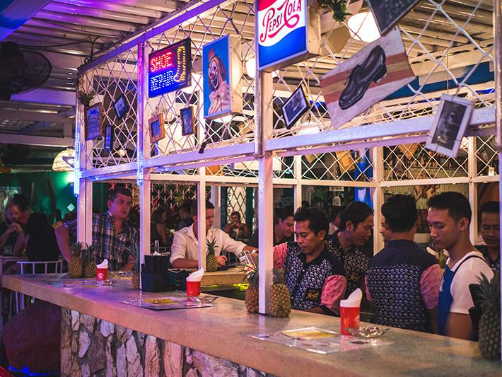 motel-mexicola-bar