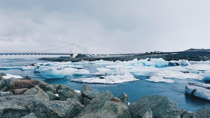 Jökulsárlón-Glacier-Lagoon Iceland snow