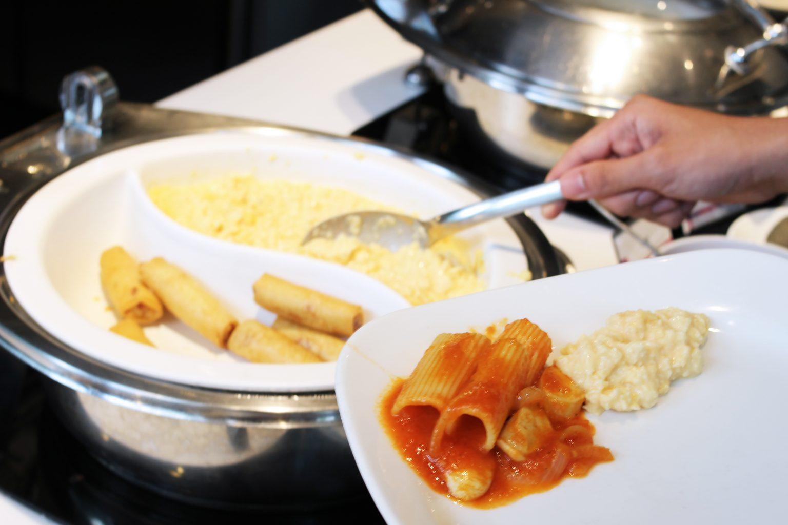 Quincy-Hotel-breakfast