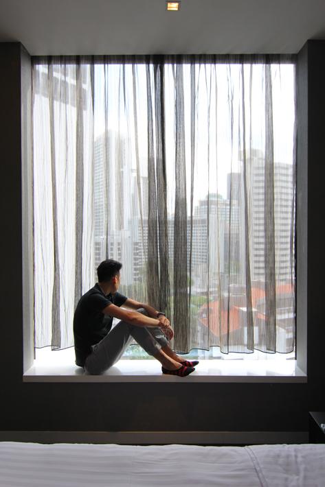 Quincy-Hotel-studio-room-window-ledge