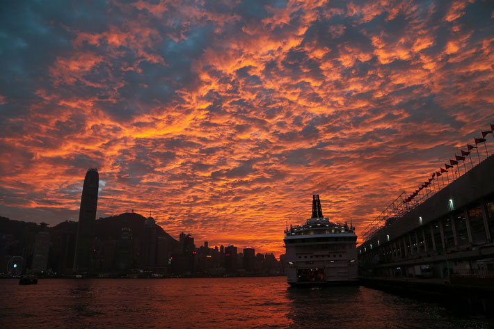 Tsim-Sha-Tsui---Sunset-at-Harbour-City