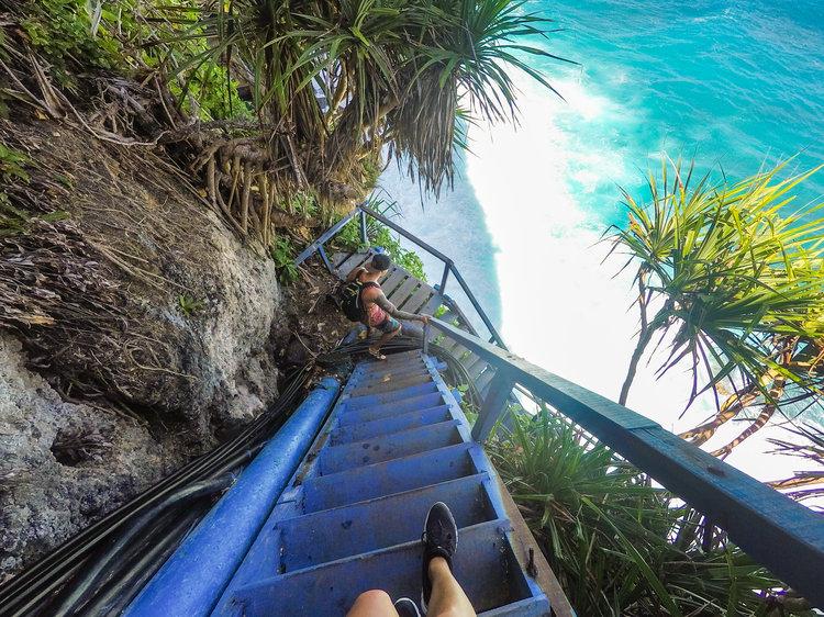 hikes-nusa-penida-peguyangan-waterfall