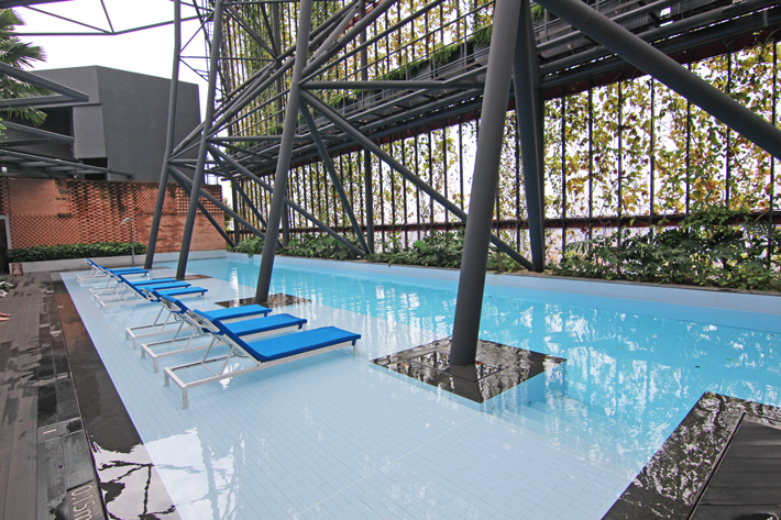 oasia-hotel-downtown-rooftop-pool