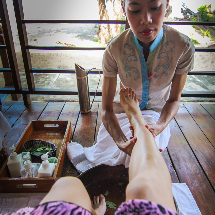 club paradise palawan coron welcome foot massage 1