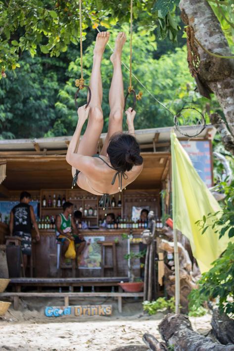 el nido Seven Commandos Beach girl strong bikini 4
