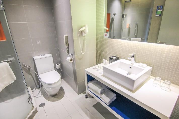 Park Inn by Radisson Davao bathroom