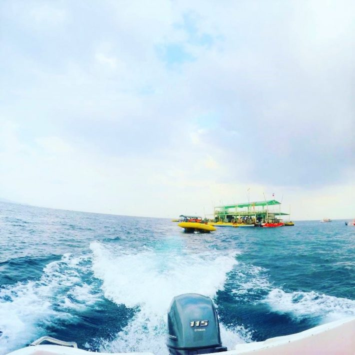 Boracay waves boat