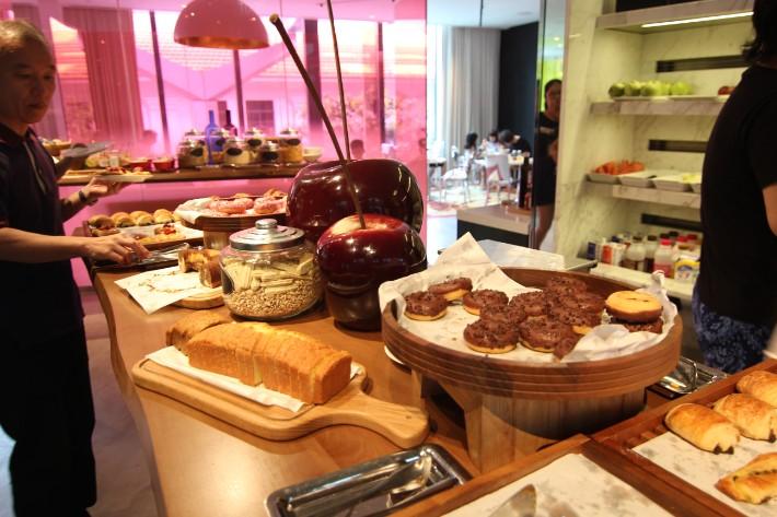 JW Marriott South Beach breakfast buffet