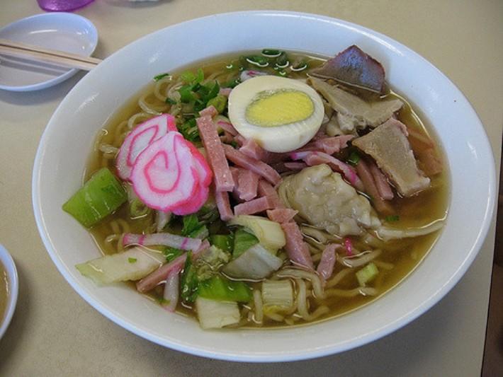 saimin noodle soup hawaii food
