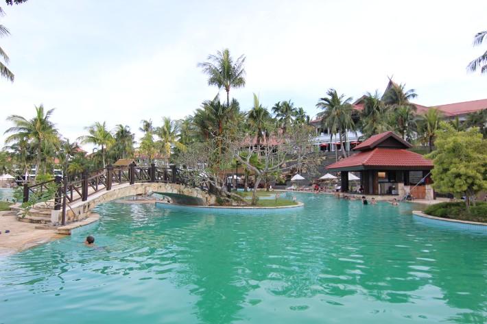 bintan lagoon resort swimming pool, bintan travel guide