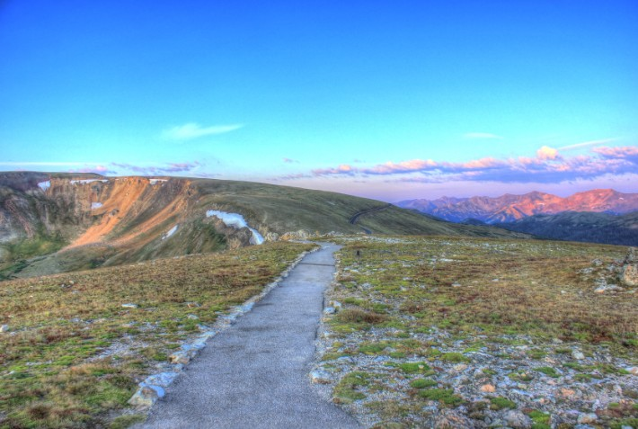 colorado-rocky-mountains-national-park-path-to-the-alpine-lookout