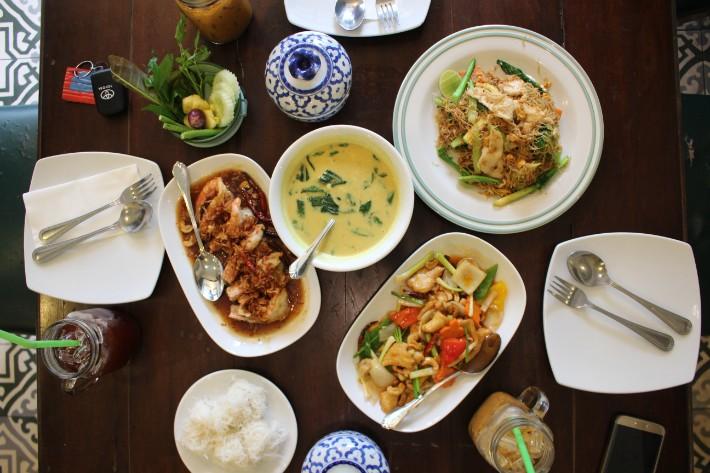 Phuket Old Town one chun cafe restaurant