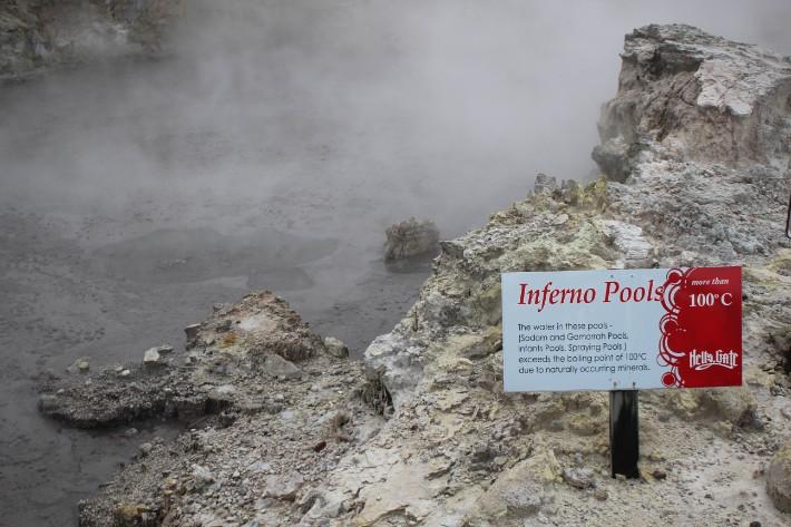 Inferno Pools, Hell's Gate Geothermal Park Mud Spa, Rotorua, New Zealand