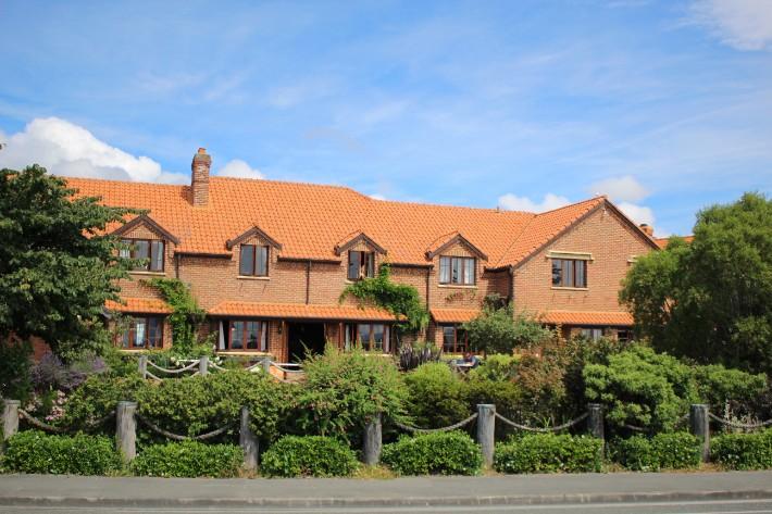 monaco nelson grand mercure hotel, Great Taste Trail Nelson, New Zealand