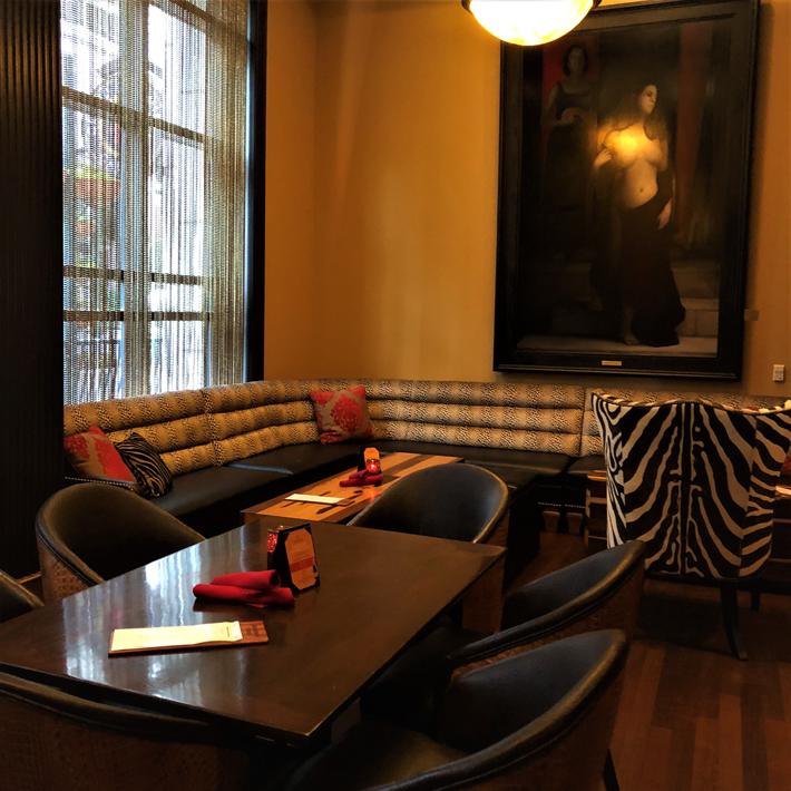 Orlando-Bohemian-Hotel-Bosendorfer-Lounge,-cool-hotels-in-orlando-florida