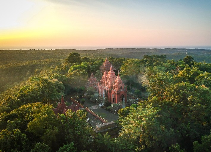 Wat-Khao-Angkang Isaan, Thailand- live-less-ordinary