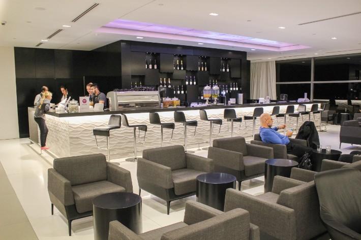 air new zealand flight business class lounge bar