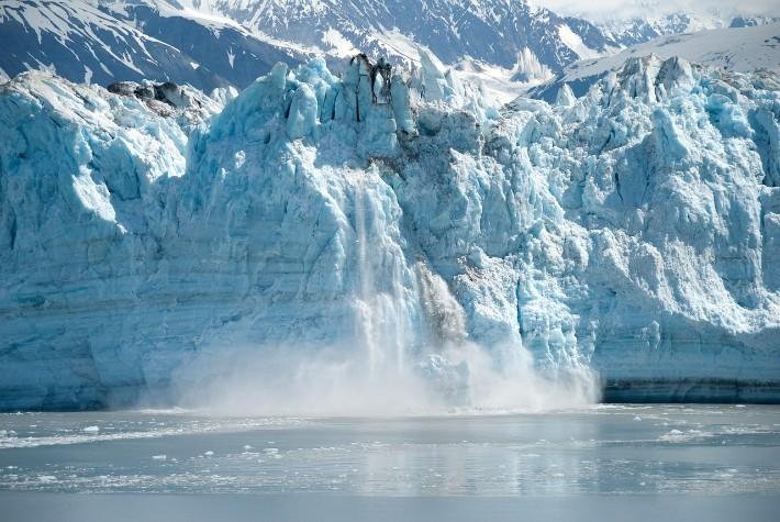 glacier calving, hubbard glacier bay alaska