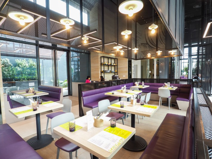 grains and hops restaurant, yotel singapore hotel review