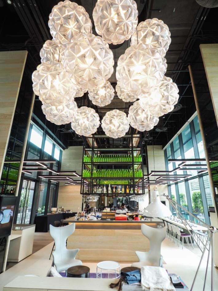 restaurant grain hops bar, yotel singapore hotel review