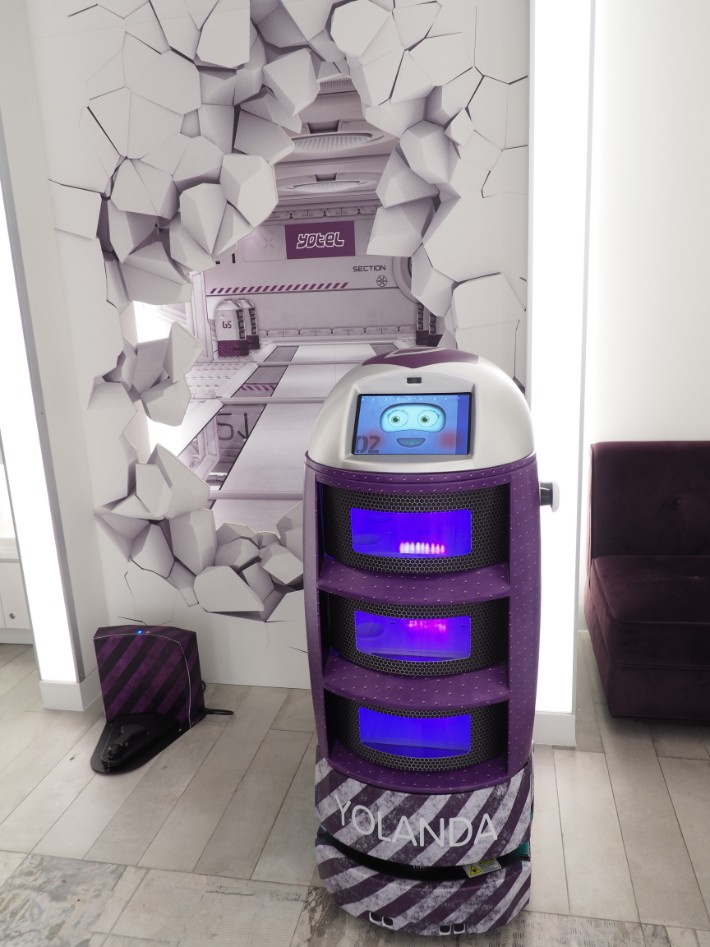 robot yotel singapore hotel review Bel Around The World
