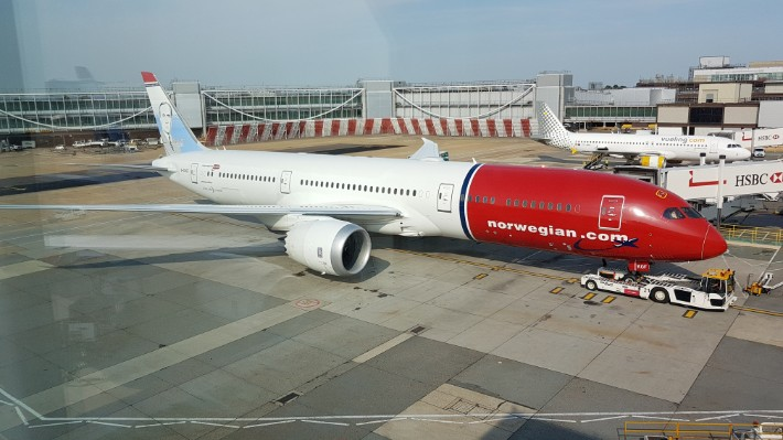 Fly on the World's Longest Low-Cost Flight with Norwegian from Singapore to London – Flight Review
