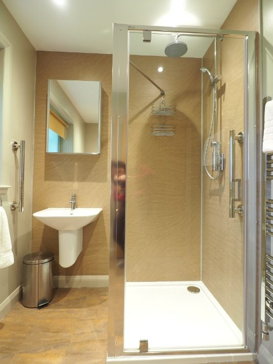 bathroom 2, glen nevis holidays luxury cottage, scotland itinerary