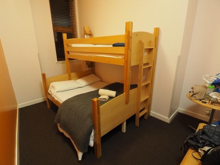 edinburgh hostel triple room, hostelling scotland, scotland itinerary