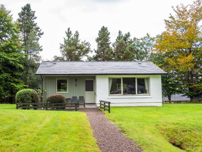 exterior, glen nevis holidays luxury cottage, scotland itinerary