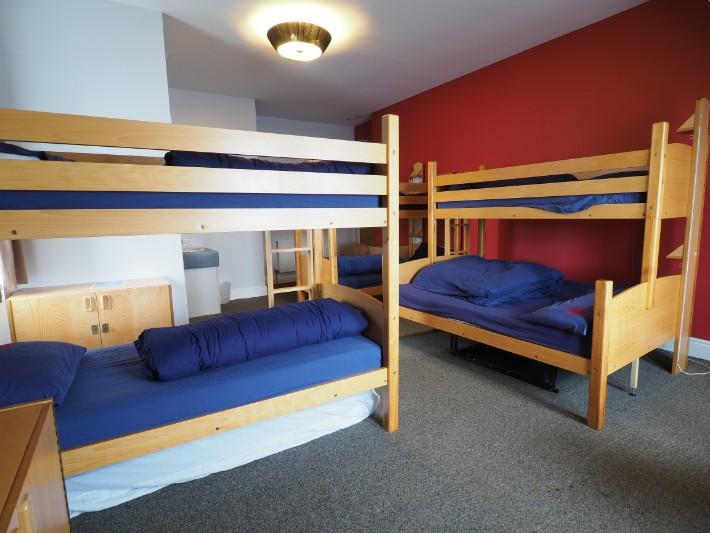 hostel bunk bed room, oban, hostelling scotland, scotland itinerary