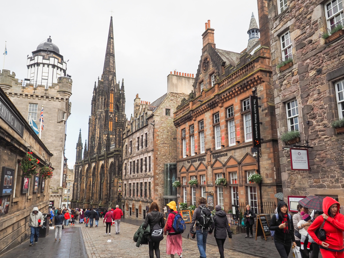 Haunting Edinburgh Ghost Tours Not To Miss in Scotland!